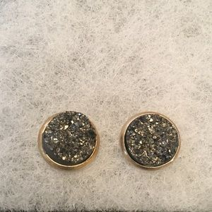 Jewelry - Black druzy stud earrings